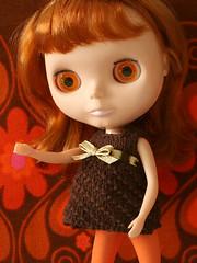 brownknitdress_03 (Helena / Funny Bunny) Tags: doll pebbles blythe olds bl funnybunny kozykape fbfashion