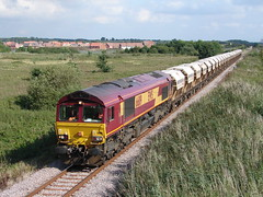 Sand Train approaches Kings Lynn (rcarpe2) Tags: train sand towers railway 66 class freight middleton