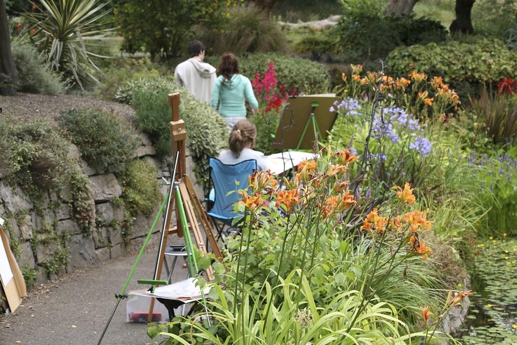 Student Artist in the Botanic Gardens