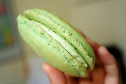 big pistachio macaron