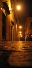 Prospettiva da Mickey Mouse (kiki follettosa) Tags: italy buildings italia bologna monuments portici monumenti palaces fotonotturne budrio kikifollettosa senzaflash fotoreporterallassalto castefoto poluz prospettivaformica