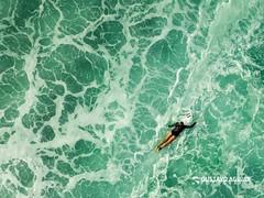 SUMMER GAMES - SURFING GAL (Gustavo Aguiar) Tags: agua blue esporte games green jogos mar ocean ondas rio riodejaneiro sea sport summer verao water waves brazil br