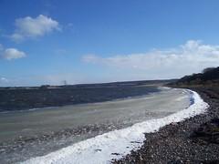 Alturlie Bay, near Inverness, Mar 2018 (allanmaciver) Tags: alturlie bay inverness moray firth highlands scotland sea blue chilly weather clouds sky shore allanmaciver