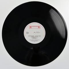 A0542 EARTHSHAKER Midnight Flight (vinylmeister) Tags: vinylrecords albumcoverphotos heavymetal thrashmetal deathmetal blackmetal vinyl schallplatte disque gramophone album