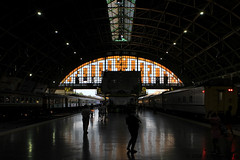 I_B_IMG_9259 (florian_grupp) Tags: southeast asia thailand siam thai train railway railroad srt staterailwayofthailand metregauge metergauge bangkok krungthep station mainstation hualumpong hualamphong