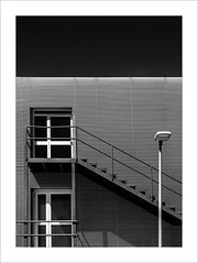 L'accés / Access (ximo rosell) Tags: ximorosell bn blackandwhite blancoynegro bw llum luz light líneas arquitectura architecture abstract abstracció stairs nikon d750