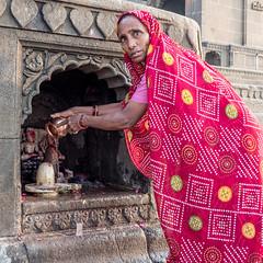 LR Madhya Pradesh 2018-2240311 (hunbille) Tags: birgittemadhyapradesh20181lr ghat ahilyabai ghats ahilyabaighat india madhya pradesh madhyapradesh maheshwar narmada river holy ahilya shrine shivalingam shiva lingam