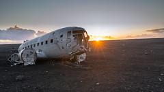 Solheimasandur Plane Wreck (eins75) Tags: solheimasandur plane wreck flugzeug wrack absturz sunset sonnenuntergang coucher du soleil strand mondlandschaft moon dc3