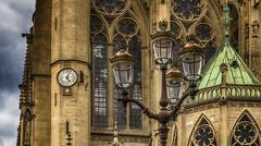A l'heure qu'il est... (Fred&rique) Tags: lumixfz1000 hdr photoshop raw cathédrale moselle metz architecture horloge lampadaire vitraux