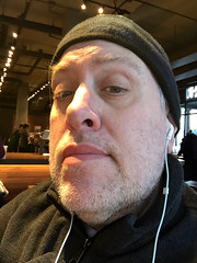 Day 2276: Day 86: Seated (knoopie) Tags: 2018 march iphone picturemail doug knoop knoopie me selfportrait 365days 365daysyear7 year7 365more day2276 day86