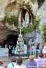 Lourdes 171-A (José María Gil Puchol) Tags: aquitaine basilique boujie catholique cathédrale cierge eau eaumiraculeuse fidèle france handicapé jeanpaulii josémariagilpuchol lourdes paysbasque prière pélèrinage religion