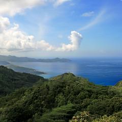 Mahé, Seychelles (pom'.) Tags: indianocean ocean sea canoneos400ddigital february 2008 maheislands graniticseychelles innerislands 100 200 forest sky clouds africa mahe seychelles lush groupenuagesetciel 300 400 5000