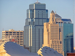 Kansas City Skyline, 14 Mar 2018 (photography.by.ROEVER) Tags: kc kcmo kansascity skyline kansascityskyline kcskyline buildings architecture downtown downtownkansascity downtownkc beerhall boulevardbeerhall evening 2018 march march2018 missouri usa onekansascityplace powerandlightbuilding kauffmancenter kauffmancenterfortheperformingarts kansascityarchitecture kcarchitecture explore inexplore