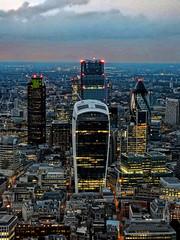 2014-08-06_20h54m40s (D_FOLLUT) Tags: buiding city londres ville skyline ciel urbain gratteciel lumière crépuscule soir métropole capitale finance london