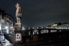 Ponte Santa Trinita, Firenze (Italia) (ipomar47) Tags: pontesantatrinita arquitectura architecture puente bridge ponte bartolomeoammanati ponteallacarraia estatua statue escultura sculpture otoño autumn giovannicaccini arno rio river firenza florencia italia pentax k20d
