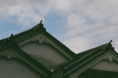 streets of Toriimoto (miho's dad) Tags: carlzeisssonnart2885aeg contaxrx fujicolorc200