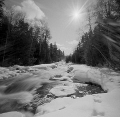 (facenorth) Tags: zeroimage2000 pinhole pinholecamera 6x6 mediumformat 120film pinholephotography analogue filmisnotdead film woodencamera longexposure highfalls grassyriver winter 2018 selfdeveloped negative scan kodakhc110 aristaedu100