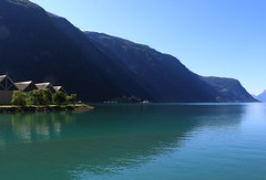 Skjolden-Norway (annazelei) Tags: wasser water fjord norway skjolden beach summer outdoor natural natura paysage mountains canon eos turquoise lights light sun sunny holiday sky blue blau green colour colourful norge