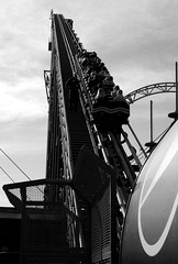 The Big One, Blackpool Pleasure Beach (Rhisiart Hincks) Tags: up ifyny pepsimax pleasurebeach blackandwhite duagwyn blackpool rollercoaster ffigarêt lloegr powsows england sasana brosaoz ingalaterra angleterre inghilterra anglaterra 英国 angletèrra sasainn انجلتــرا anglie ngilandi ue eu ewrop europe eòrpa europasirgaerhirfryn lancashire europa fylde sirgaerhirfryn cyrchfangwyliau holidayresort blancinegre gwennhadu dubhagusgeal dubhagusbán bw zuribeltz blancetnoir blackwhite monochrome unlliw blancoynegro zwartwit sortoghvid μαύροκαιάσπρο feketeésfehér juodairbalta