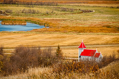 4197 Little Church in the Vale (paule48) Tags: canada quappellevalley quappelleriver sk saskatchewan building architecture church color landscape polarizingfilter red tower