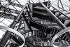Stair monster (michael_hamburg69) Tags: hamburg germany deutschland hansestadt atrium architektur architecture bürohaus officebuilding stairs treppe glas glass hanseforum axelspringerplatz3 architekt architect massimilianofuksas lampen beleuchtung ringleuchte