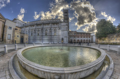 #204 (mariopolicorsi) Tags: mariopolicorsi canon eos 700d fisheye samyang 8mm hdr hdrawards simplysuperb photoshop photomatix lucca architettura architecture piazza square fontana acqua water nuvole clouds sky città city citylife toscana tuscany europa europe travel viaggio marzo march 2018