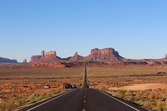 As you can see, we were not alone out here (Hazboy) Tags: hazboy hazboy1 arizona utah monument valley southwest west western us usa america october 2017