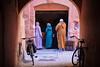 Botiga (crossa) Tags: marràqueix marrakech marruecos morocco marroc medina botiga tienda carrer calle street rue medinademarràqueix medinademarrakech nikon nikon1j5 j5 streetphotography nikkor1030 nikon1nikkorvr1030mmf3556