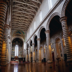 Duomo Orvieto Interior 2 (█ Slices of Light █▀ ▀ ▀) Tags: nave pillar columns apse travertine basalt interior duomo orvieto 奥尔维耶托 主教座堂 cathedral 座堂 church catholic italia 意大利 italy olympus em1 arcsoft panorama maker stitched square cropped