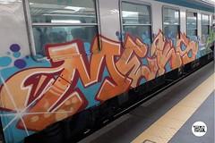 #stolenstuff #graffitiblog #check4stolen #flickr4stolen #meks #diretto #panels #graffititrain #graffiti #bencher #benching #trainbombing #instagraff (stolenstuff) Tags: instagram stolenstuff graffiti graffititrain benching