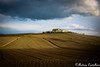 La Campagna e i suoi contrasti (Castello foto) Tags: terra campo campagna contrasti luci colori casali casale nuvole clouds