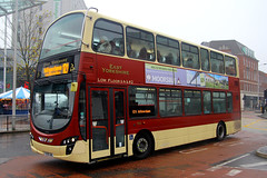 YX09 GWL, St Stephen's, Hull, November 27th 2014 (Southsea_Matt) Tags: yx09gwl 765 route121 wright eclipse gemini volvo b9tl bus omnibus vehicle passengertravel publictransport november 2014 autumn canon 60d sigma 1850mm unitedkingdom yorkshire hull ststephens