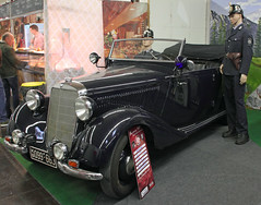 Early 50's police car (Schwanzus_Longus) Tags: techno classica essen german germany old classic vintage car vehicle convertible cabrio cabriolet topless police polizei law enforcement mercedes benz 170 170v otp