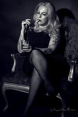 Marlene Dietrich-574-3 (Adriana.Britto) Tags: ensaio retrato portrait foto photo fotografia photography loira blonde blond model mature blackwhite blackandwhite pb pbr pretoebranco people art
