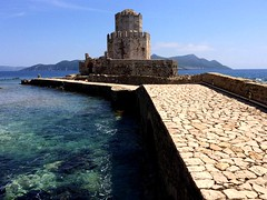 the Bourtzi fortress at Methoni Castle IMG_0937 (mygreecetravelblog) Tags: greece peloponnese messenia messinia methoni methonicastle castle fortress archaeologicalsite historicsite ruins ancientruins ancientgreece ancientgreekruins outdoor landscape bourtzi seafortress seacastle water sea bay causeway walkway