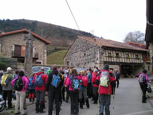 Marcha Senderismo Barbara Barcena Pie De Concha Cantabria Fotografia Javi Cille (27)