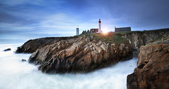SAINT MATHIEU (FredConcha) Tags: saintmathieu rock landscape nature sea longexposure lee nikond800 fredconcha farol lighthouse brest finistere bretagne ocean clifs cliffs