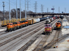 Group Gathering (Robby Gragg) Tags: atsf bnsf c449w 622 sd75i 291 hodgkins