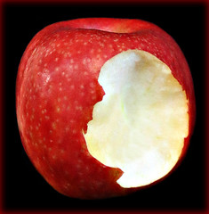 2018 Macro Monday: Once Upon A Time (dominotic) Tags: 2018 macromonday onceuponatime snowwhite grimmsfairytales poisonedapple bittenapple fruit food blackbackground red