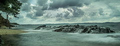 ce matin (joboss83) Tags: mer matin var eau landscape beach france fujixt1 nuage soleil couleurs fuji provence paysage groupenuagesetciel