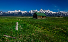 Mormon Row abondined hut (tuhindas1989) Tags: barn moultonbarn mormonrow landscape beautifullandscape grandteton nationalpark grandtetonnationalpark grandtetonnp wyoming travel travelphotography abondonedbarn