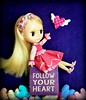 Show Me a Sign (Leslieshappyheart) Tags: kennerblythedoll blythedoll hearts
