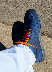 2018-04-18   01   Mark's lovely new DMs (Mark & Naomi Iliff) Tags: dms drmartens boots blue rigalknit