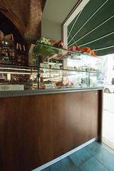 _DSC2614 (fdpdesign) Tags: sanremo bar design liguria shop shopdesign wood legno pasticceria dropin volta mattoni 2018 cornici cornice arredamento mobili arredo