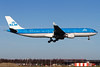 PH-AKE, Airbus A330-303, KLM Royal Dutch Airlines (freekblokzijl) Tags: klm royaldutchairlines blue swan arrival approach aalsmeerbaan airline luchthaven eham ams amsterdamairport schiphol airbusa330 a330300 earlymorning march 2018 planespotting vliegtuigspotten canon eos7d