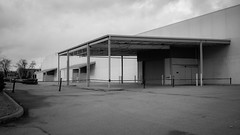 big empty box (Nicholas Eckhart) Tags: america us usa fortwayne indiana in 2018 retail stores former closed vacant empty abandoned homedepot homeimprovement