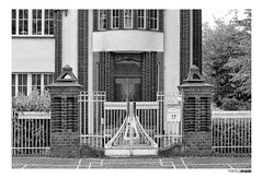Design (PIVAMA|photography) Tags: design architecture house fence gate building