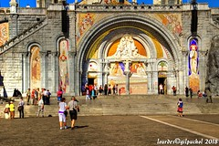 Lourdes 059-A-7 (José María Gil Puchol) Tags: aquitaine basilique catholique cathédrale eau eaumiraculeuse fidèle france josémariagilpuchol lourdes paysbasque pélèrinage religion