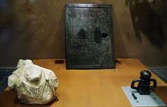 Torso de Artemisa Sanguesa Placa de Apolo pasa bridas de bronce Villa de las Musas Museo de Navarra Pamplona (Rafael Gomez - http://micamara.es) Tags: torso de artemisa sanguesa placa apolo pasa bridas bronce villa las musas museo navarra pamplona