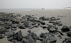La plage et L'Oosterscheldekering (Barrage de l'Escaut oriental), Noord-Beveland, Kamperland, Nederland (claude lina) Tags: claudelina nederland hollande paysbas zeeland debanjaard plage dune merdunord noordzee zeelande